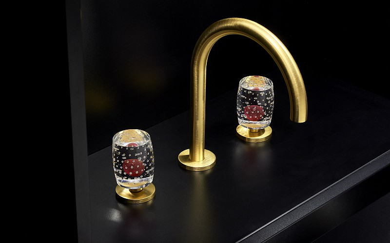 GRAFF New Crystal collection in RED